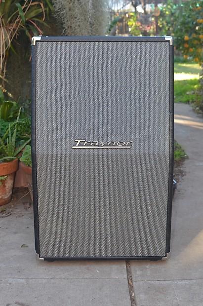 traynor ybx212 vertical 2x12 speaker cabinet with celestion reverb. Black Bedroom Furniture Sets. Home Design Ideas