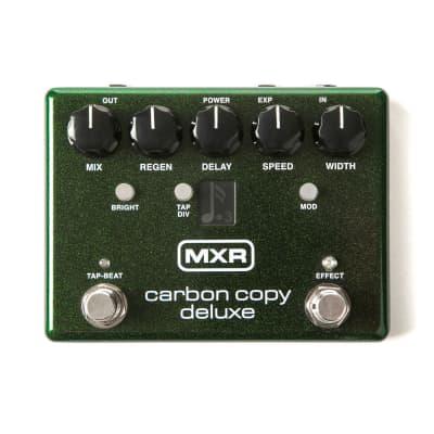Dunlop MXR Carbon Copy Deluxe Analog Delay Pedal