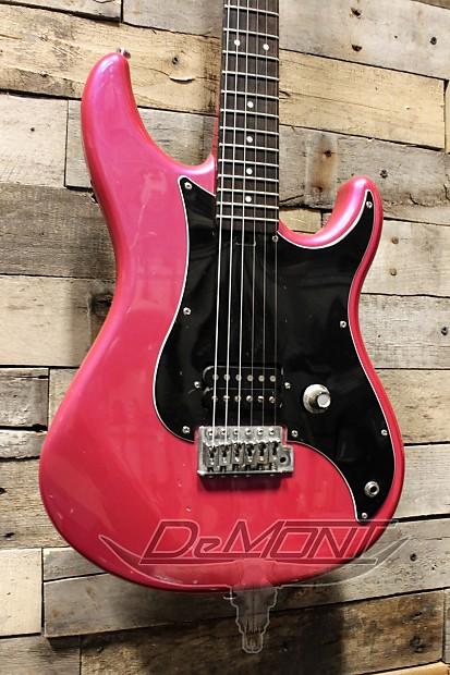 yamaha se110 electric guitar red purple reverb. Black Bedroom Furniture Sets. Home Design Ideas