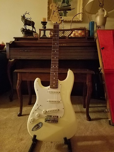 Fender Left Handed MIM Stratocaster 1995 Artic White