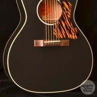 <p>NEW Gibson L-00 1930&#039;s Classic Ebony</p>  for sale