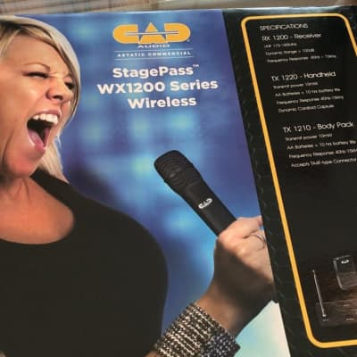 CAD WX1200 Series StagePass Receiver/Headset/Lapel Mic/Mic Cord 2020 Black
