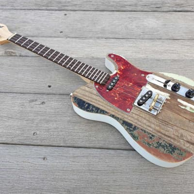 Fanner Guitar Works Tenor Pixelator Shabby Chic. Maple neck and Wenge fretboard. Gig bag included.