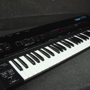 Roland MKB-200 61-Key MIDI Keyboard Controller