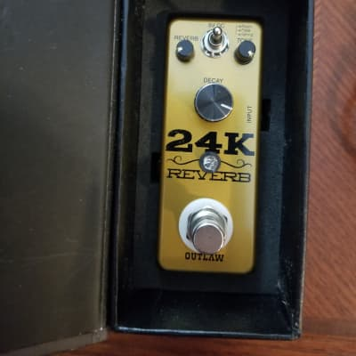 Outlaw Effects 24k Reverb and Power adapter