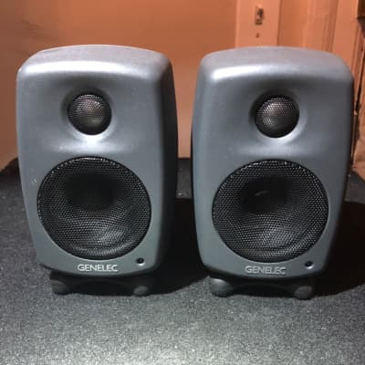 "Genelec 8010A 3"" Powered Nearfield Studio Active Monitor (Pair) with IsoPod stands!"