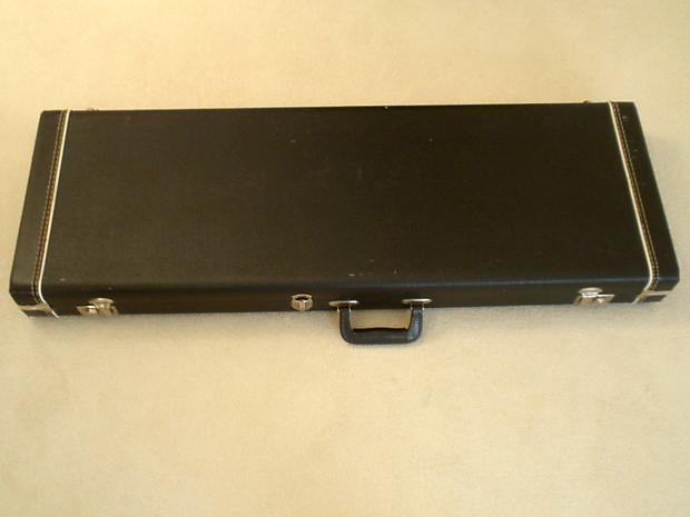 63aa2ff3bc Description; Shop Policies. Genuine Fender vintage G&G hardshell case ...