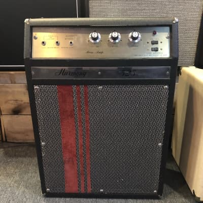 Used Harmony 525 Bass/Guitar Amp for sale