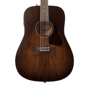 Art & Lutherie Americana Dreadnought QIT with Electronics Bourbon Burst