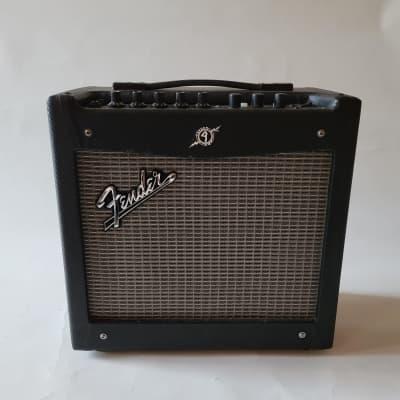 "Fender Mustang I V.2 20-Watt 1x8"" Modeling Guitar Combo 2013 - 2018 Black"