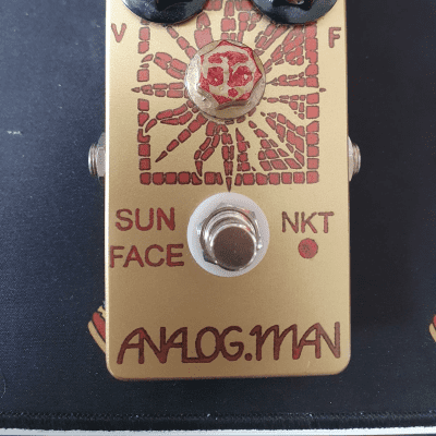 Analogman Sun Face Red Dot NKT Germanium Fuzz with Sun Dial Knob 2017-2018 Gold, power jack, led