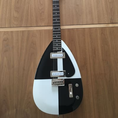 Alden VX Troubador  Black and white for sale