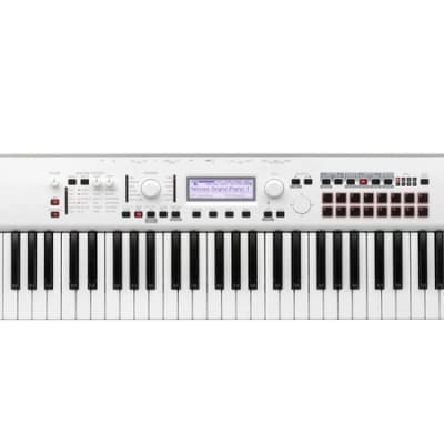 Korg Kross 2-61 White - Limited Edition EXDEMO