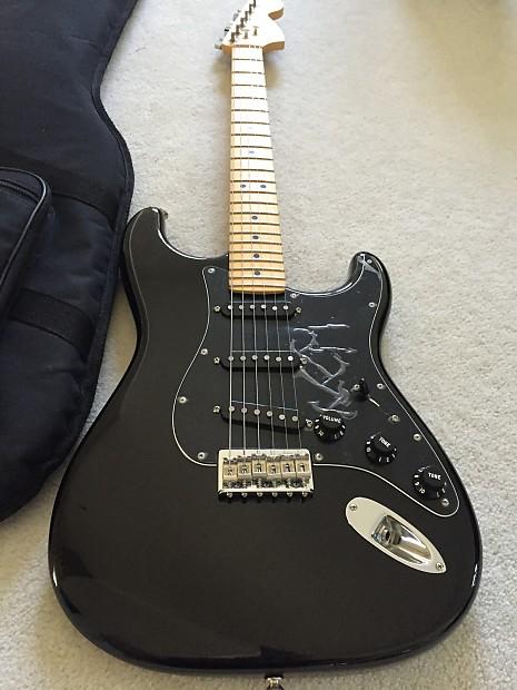 Fender stratocaster u s vintage 70 message