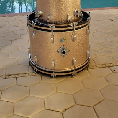 Ludwig Big Beat 4 pc Drum Set Kit - 1978 Champagne Sparkle