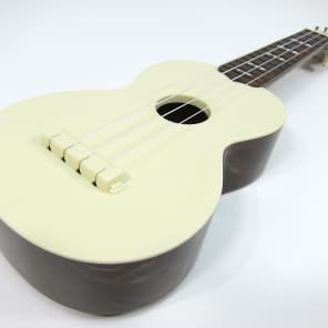Vintage 1950s Maccaferri Flamingo Soprano Uke Ukulele White Plastic & Playable w St George Gig Bag! for sale
