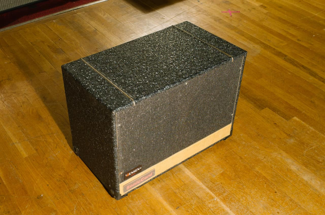 rare soniccord 2 x 10 inch guitar speaker cabinet cab reverb. Black Bedroom Furniture Sets. Home Design Ideas