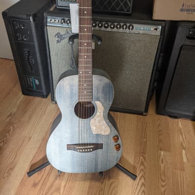 Art & Lutherie  Roadhouse  Faded Denim