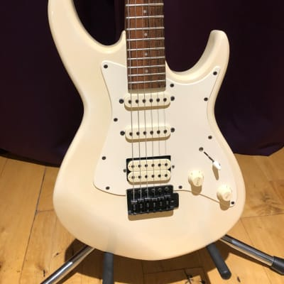 Aria Pro II Black Dog Vintage Stratocaster Electric Guitar 1985 White for sale