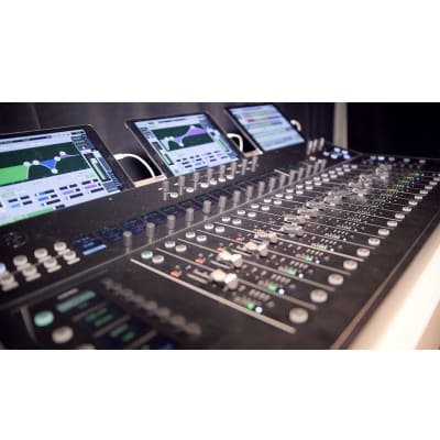 Mackie DC16 AXIS Digital Mixing Control Surface