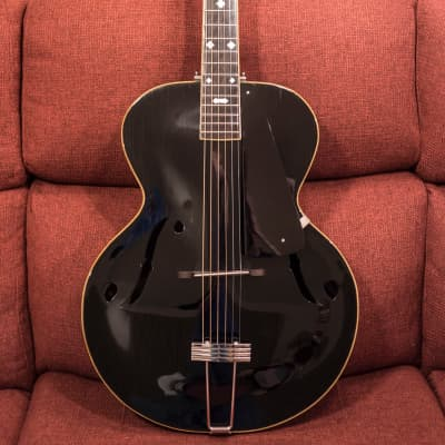 Paramount Antique arch top f-hole 1937+/- Black for sale