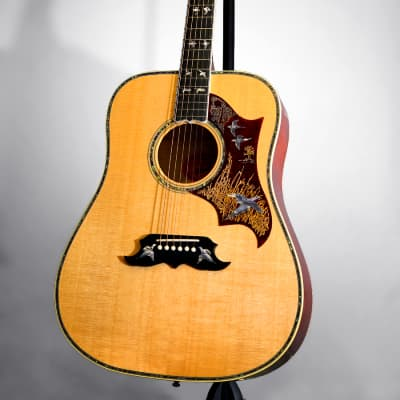 Gibson Montana Custom Shop 2019 Model Doves In Flight Limited Edition - Antique Cherry for sale