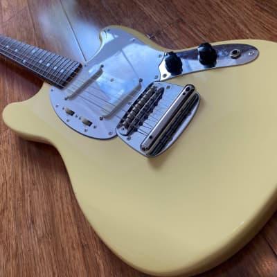 Fender Mustang 1969 Reissue MIJ N-Serial 1993-94 Yellow White FujiGen