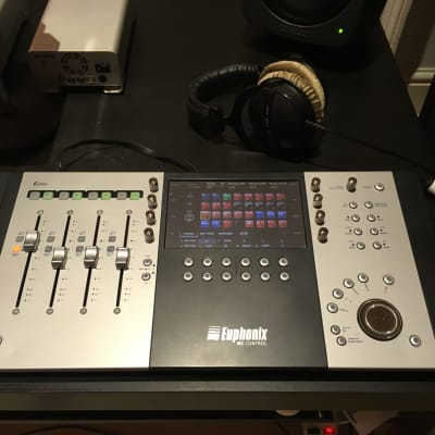 euphonix mc control v2 4 fader daw control surface with touch reverb. Black Bedroom Furniture Sets. Home Design Ideas