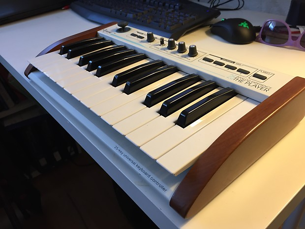 Arturia Analog Experience THE PLAYER 25 controller + software