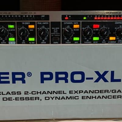 Behringer MDX2600 Composer Pro-XL Compressor / Limiter