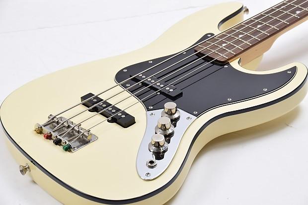 Fender Japan Aerodyne Jazz Bass AJB M Olympic White
