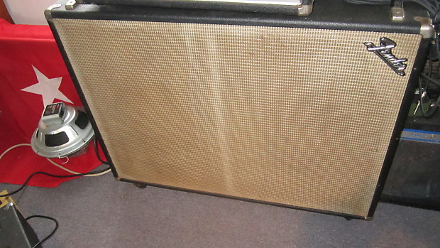 Fender Bassman speaker cab 2-12 1967 | Robert's Gear Bazaar