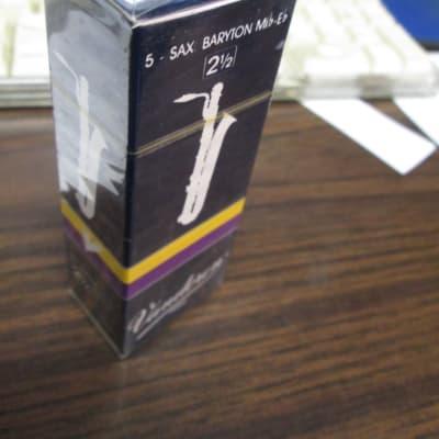 Vandoren Baritone Sax Traditional Reeds - Strength 2.5 (Box of 5)