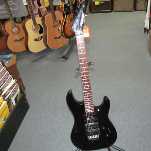 Peavey Tracer LT Double Cutaway Style Electric Guitar Includes Peavey Hard Case for sale