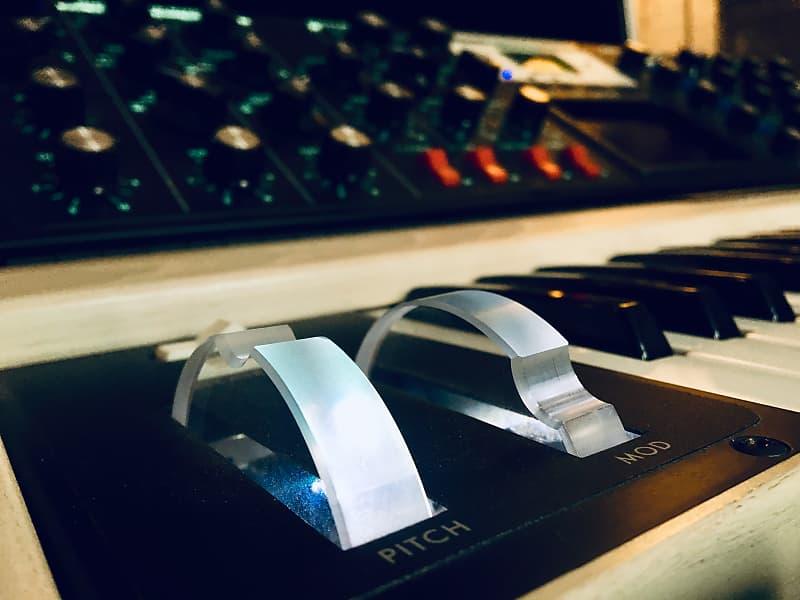 Moog MiniMoog Voyager Performance Edition | Weeze's Keyses