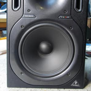 """Behringer Truth B2031A 8.75"""" Powered Studio Monitor (Single)"""