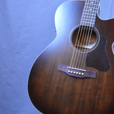 Art & Lutherie Legacy  Bourbon Burst CW QIT Acoustic Electric New Free Shipping