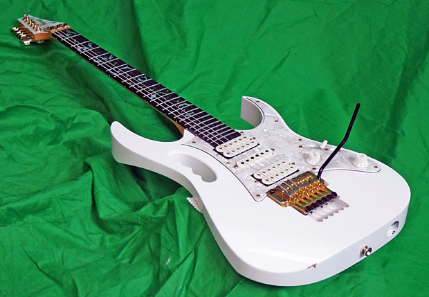 Ibanez Jem7V Steve Vai Signature It is a founding year 1993 piece nicely  Reliced
