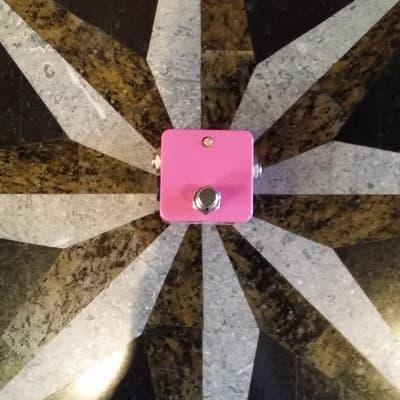 Henretta Engineering Pinkman Dirty Boost Pedal