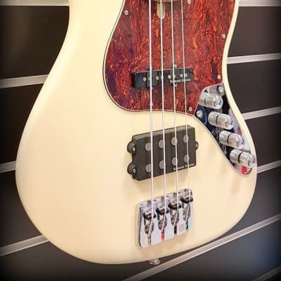 Clover Apeiron H4, Vintage White Gloss for sale