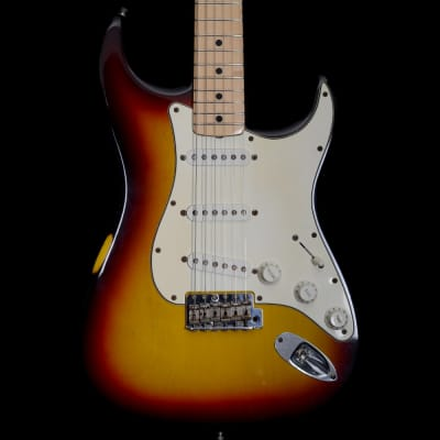 Fender Custom Shop 2000 '69 Closet Classic Stratocaster Relic Electric Guitar in 2-Tone Sunburst, Pre-Owned for sale