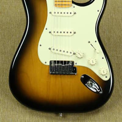 Fender 50th Anniversary American Deluxe Stratocaster Sunburst 2004