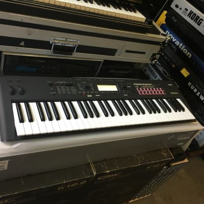 Korg Kross 2 MB 61 key keyboard music workstation synthesizer Black in box  //ARMENS//