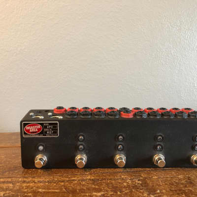 Disaster Area Designs DPC-8EZ Silent Programmable Bypass Switcher Clickless