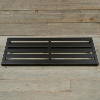 Pedaltrain NOVO 32 Pedalboard 5 Rails 32x14.5 w/Soft Case MINT