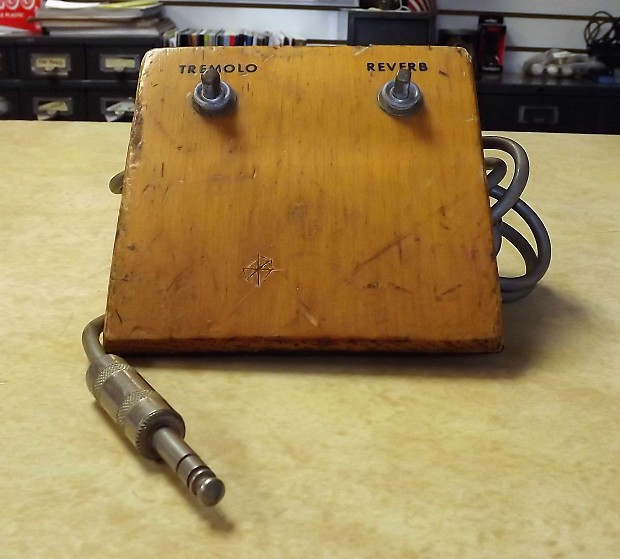 Vintage Wood Foot Switch With Reverb And Tremolo Reverb