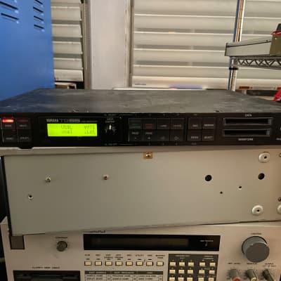 (Display defect) Yamaha TG55 Tone Generator Rackmount Synthesizer