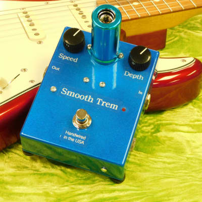 Lone Wolf Smooth Trem Boutique Hand Wired TUBE Driven Tremolo Pedal Made in USA!