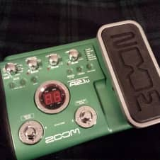 Zoom A2.1u Acoustic Guitar Multi-Effects Pedal Green