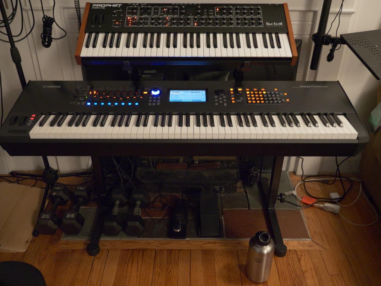 Yamaha montage 88 key synthesizer workstation with double for Yamaha montage 8 case